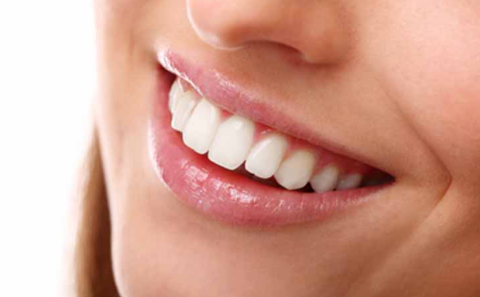 Do You Want a Healthy Smile? Avoid These Bad Habits That Can Harm Your Teeth